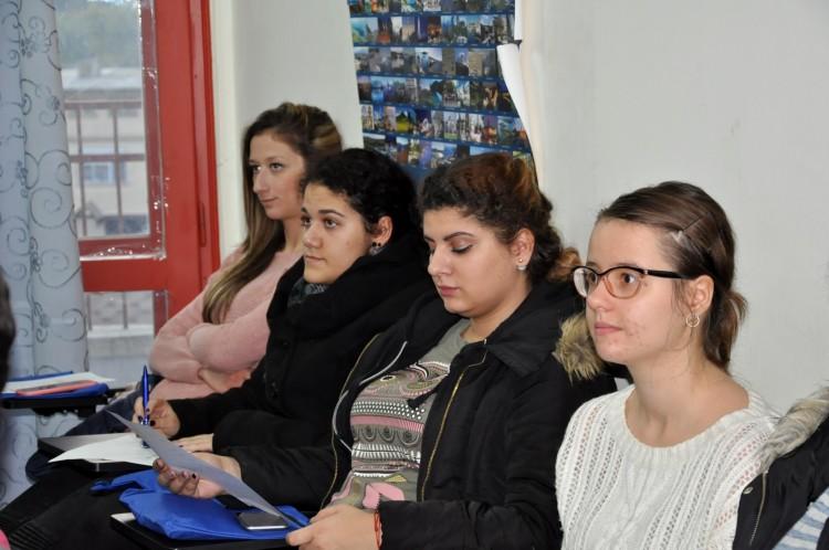 В Сливен търсят отговор на въпроса: Как да спрем антициганизма?