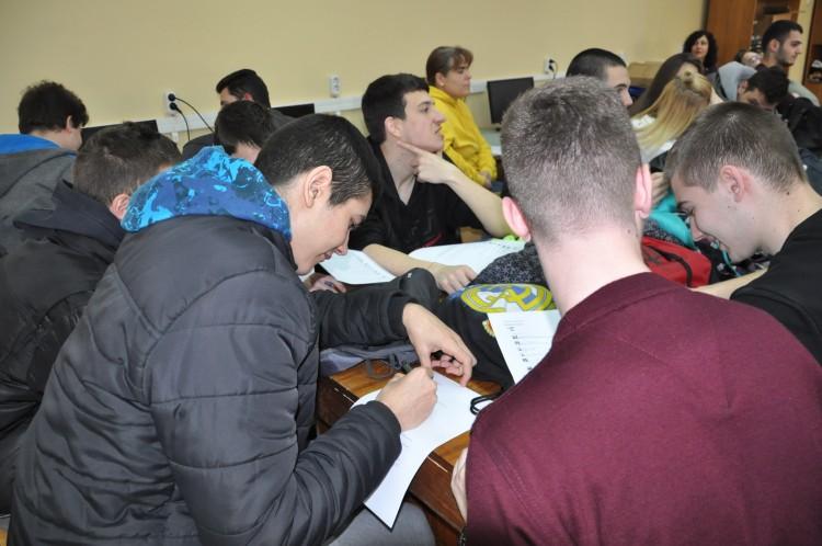 """Младежи от София преминаха обучението """"Заедно срещу антициганизма"""""""